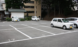 大型車向け平面駐車場