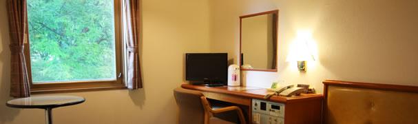 緑が見える窓 シングルルーム